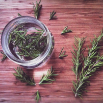Purple Carrot Natural Cleaning Rosemary-infused Vinegar